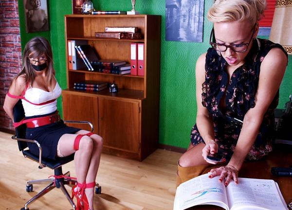 modelstied-naughty-teacher